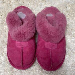Comfy Hot Pink Ugg Clogs